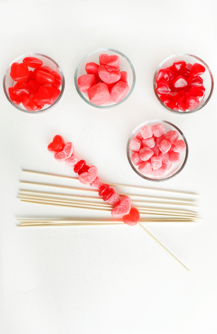 Valentine's Candy Skewer on theothersideofnat.com
